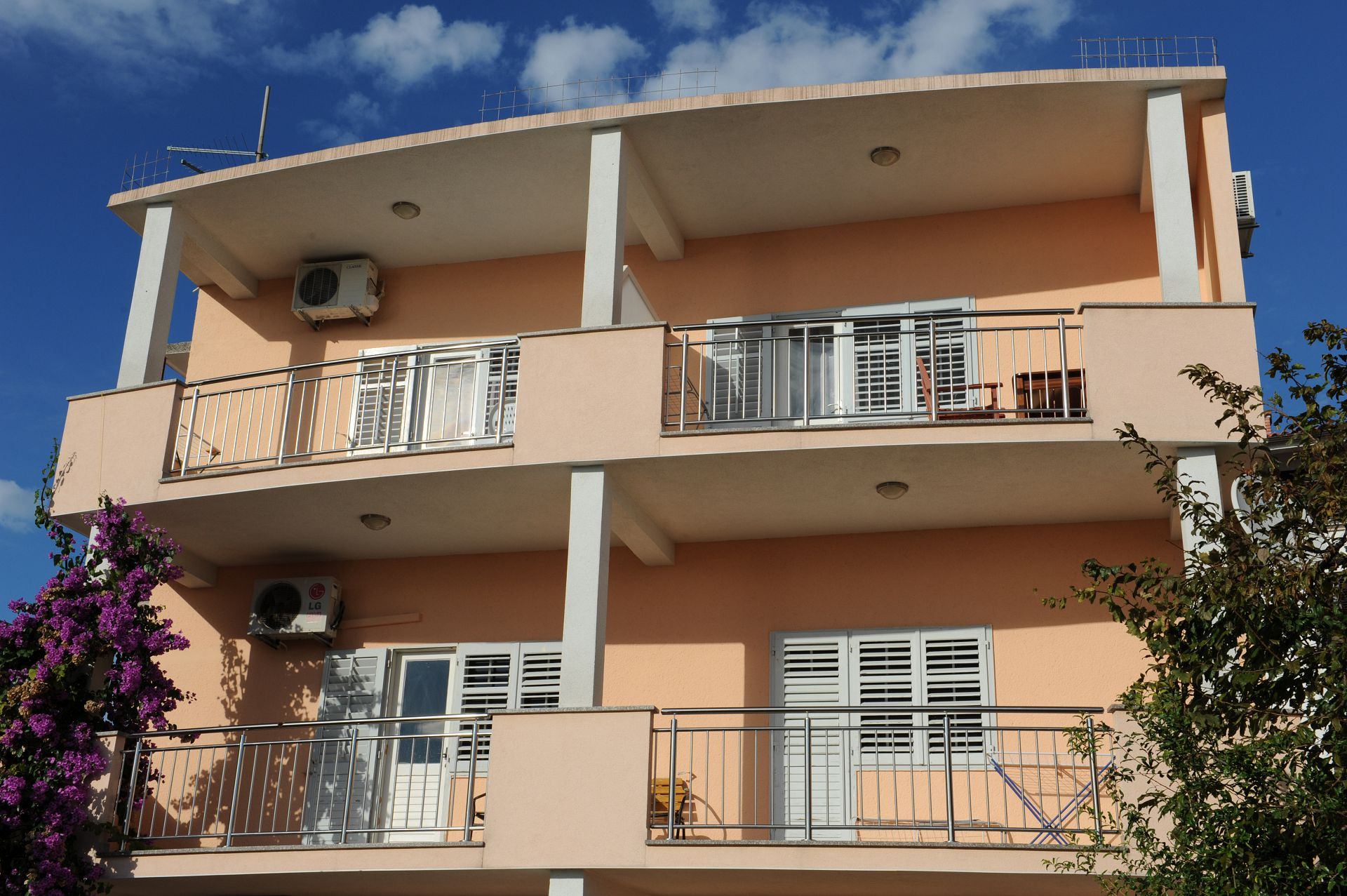 2449 - Podstrana - Apartments Croatia