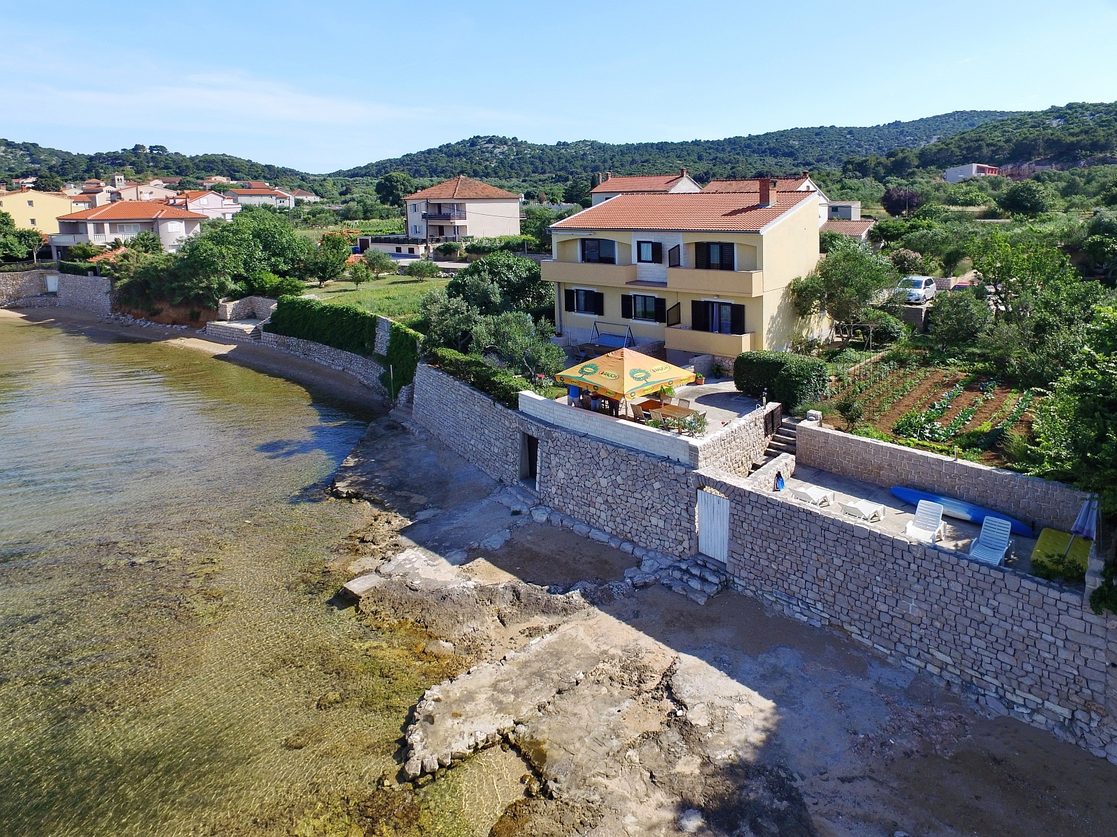 00220TKON - Tkon - Apartments Croatia