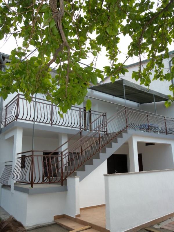 Per - Banjol - Appartementen Kroatië - huis