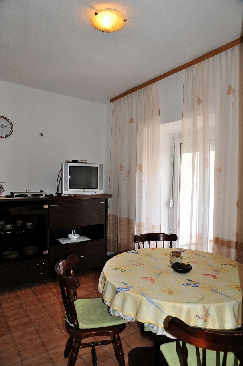 Per - Banjol - Appartementen Kroatië - A1(4): eetkamer
