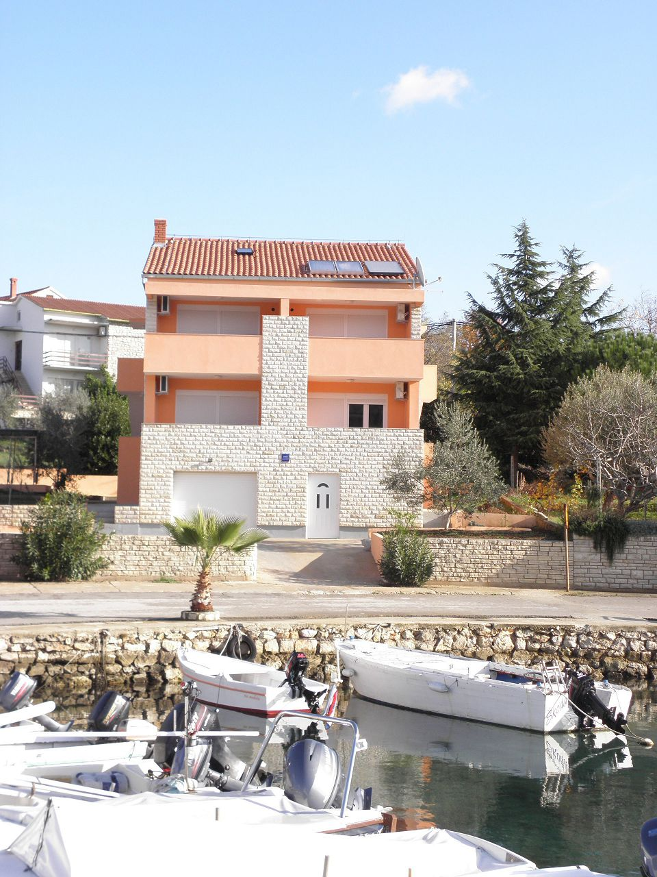 4995 - Lukoran - Apartmaji Hrvaška