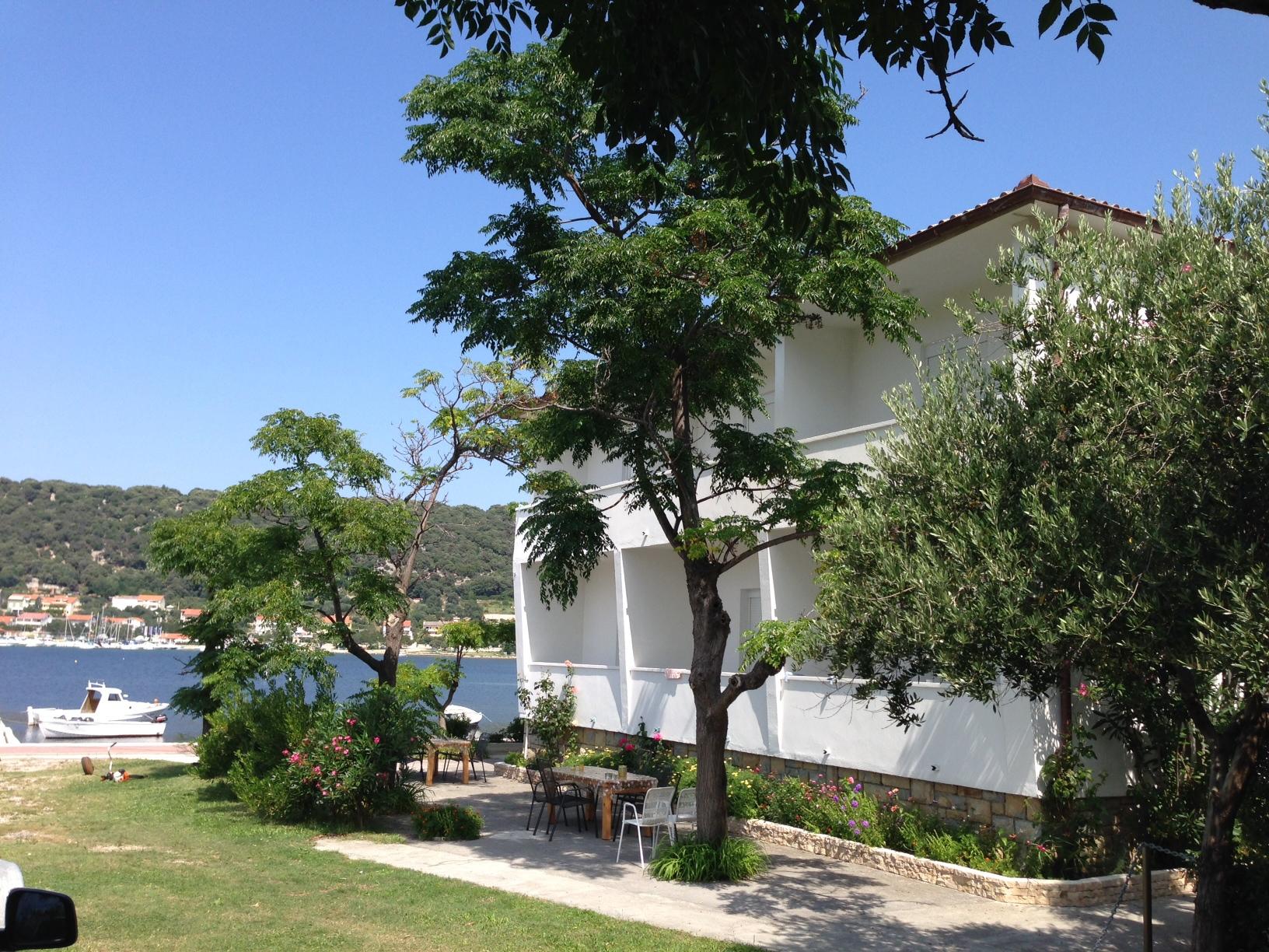 Apartments, Supetarska Draga, Island of Rab - Apartments  Coastal home
