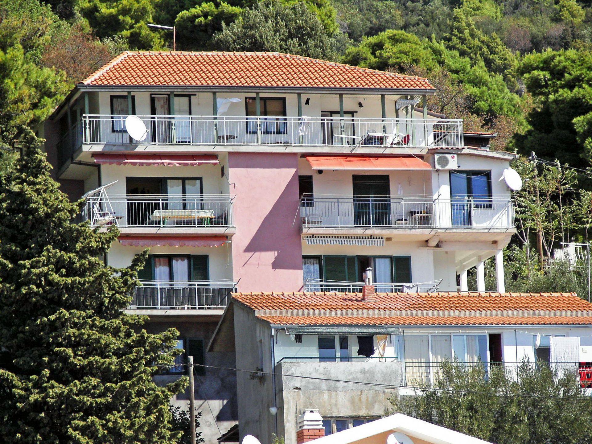 1899 - Zivogosce - Apartments Croatia