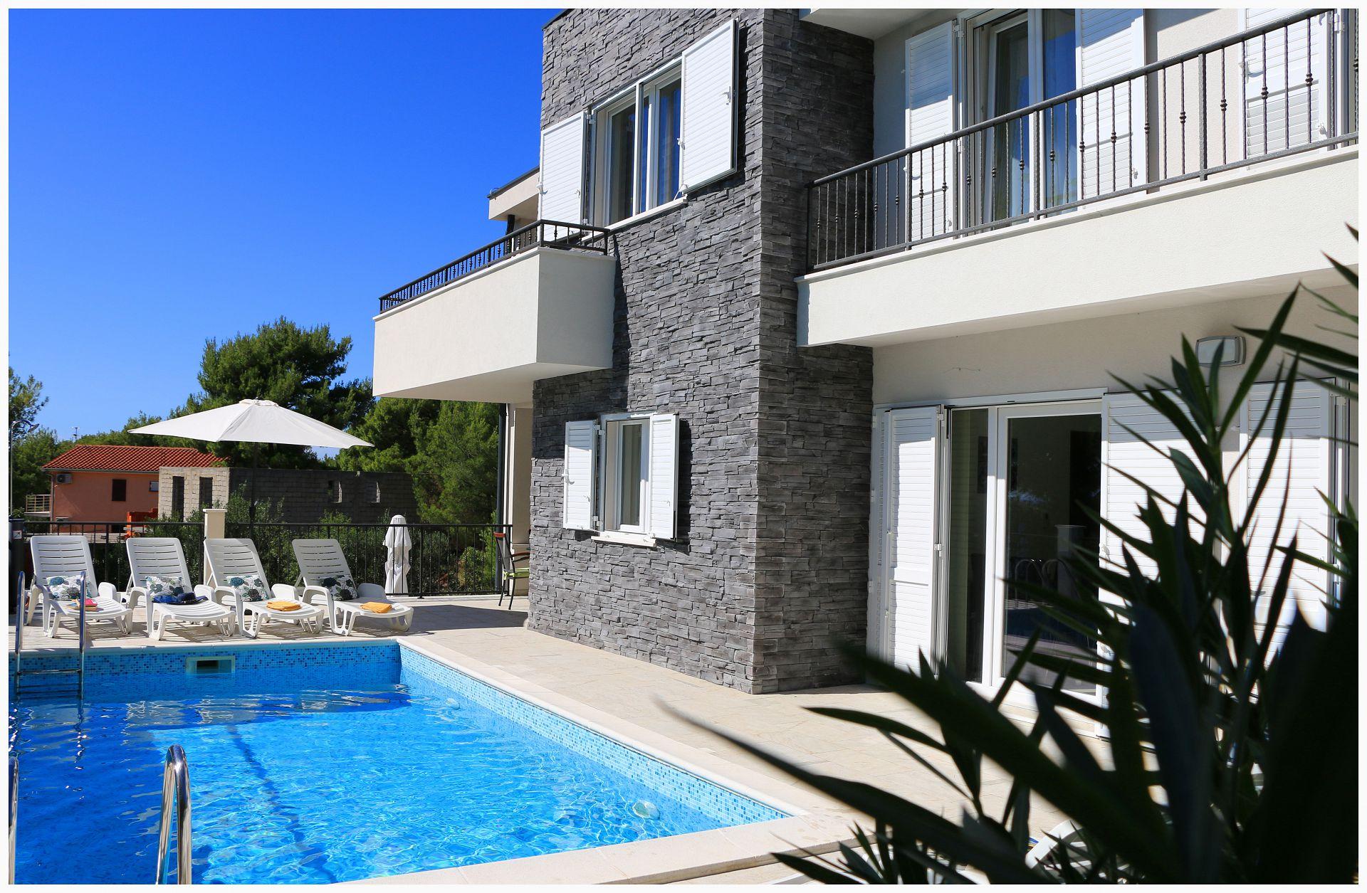 35302 - Primosten - Apartments Croatia