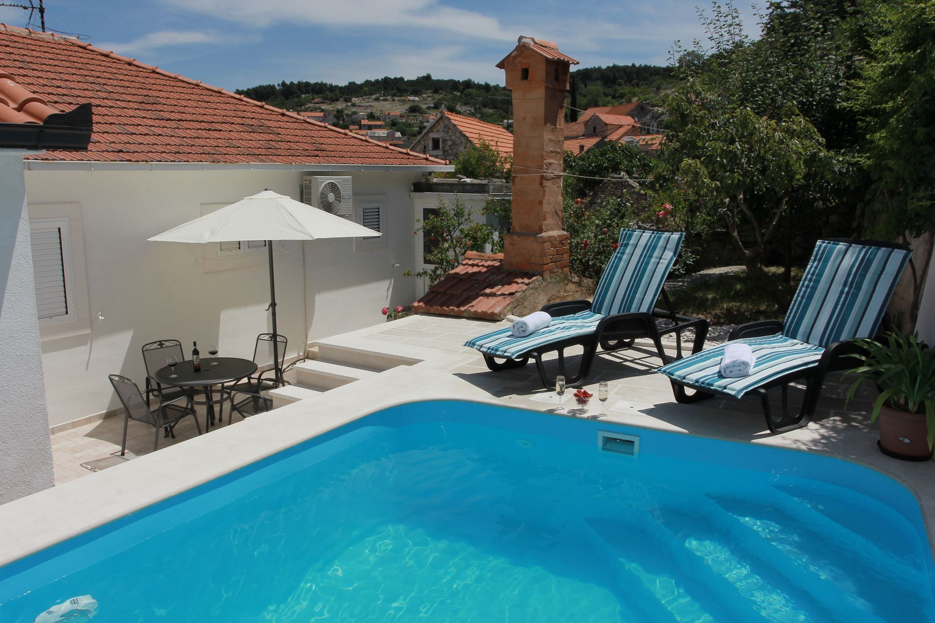 8217 - Nerezisca - Ferienhäuser, Villen Kroatien