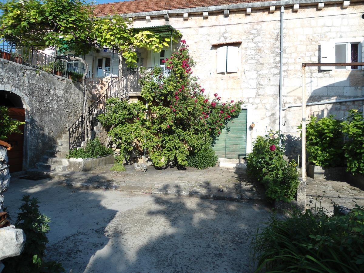 35021 - Nerezisca - Ferienwohnungen Kroatien