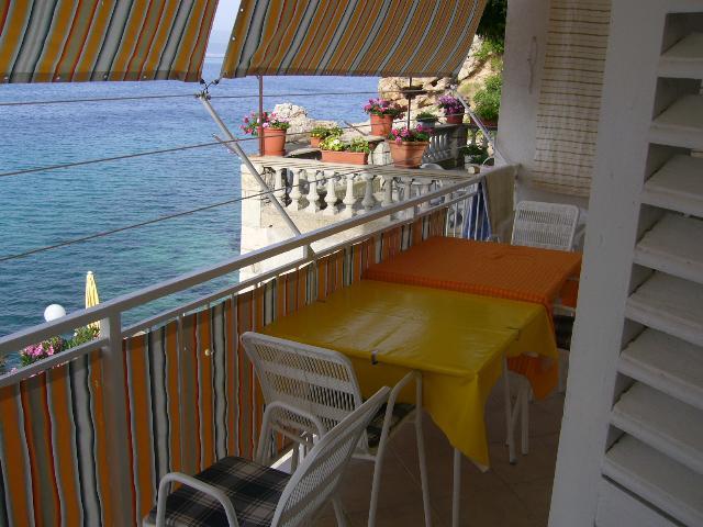 5257  - Pisak - Ferienwohnungen Kroatien - A1 KAT (2+2) : Terasse