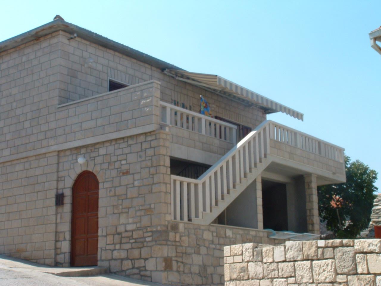 02201POST  - Postira - Apartments Croatia
