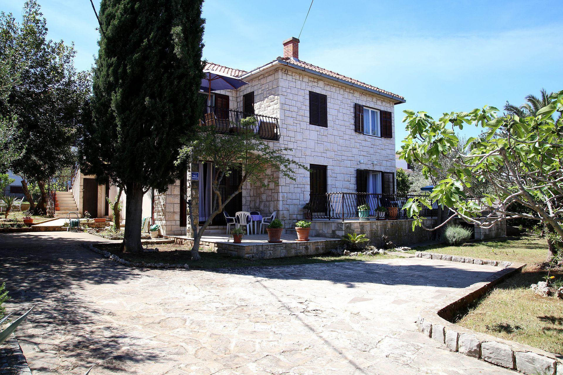 36709 - Supetar - Apartments Croatia