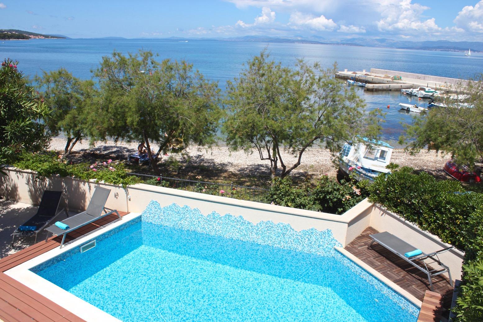6018 - Mirca - Vakantiehuizen, villa´s Kroatië