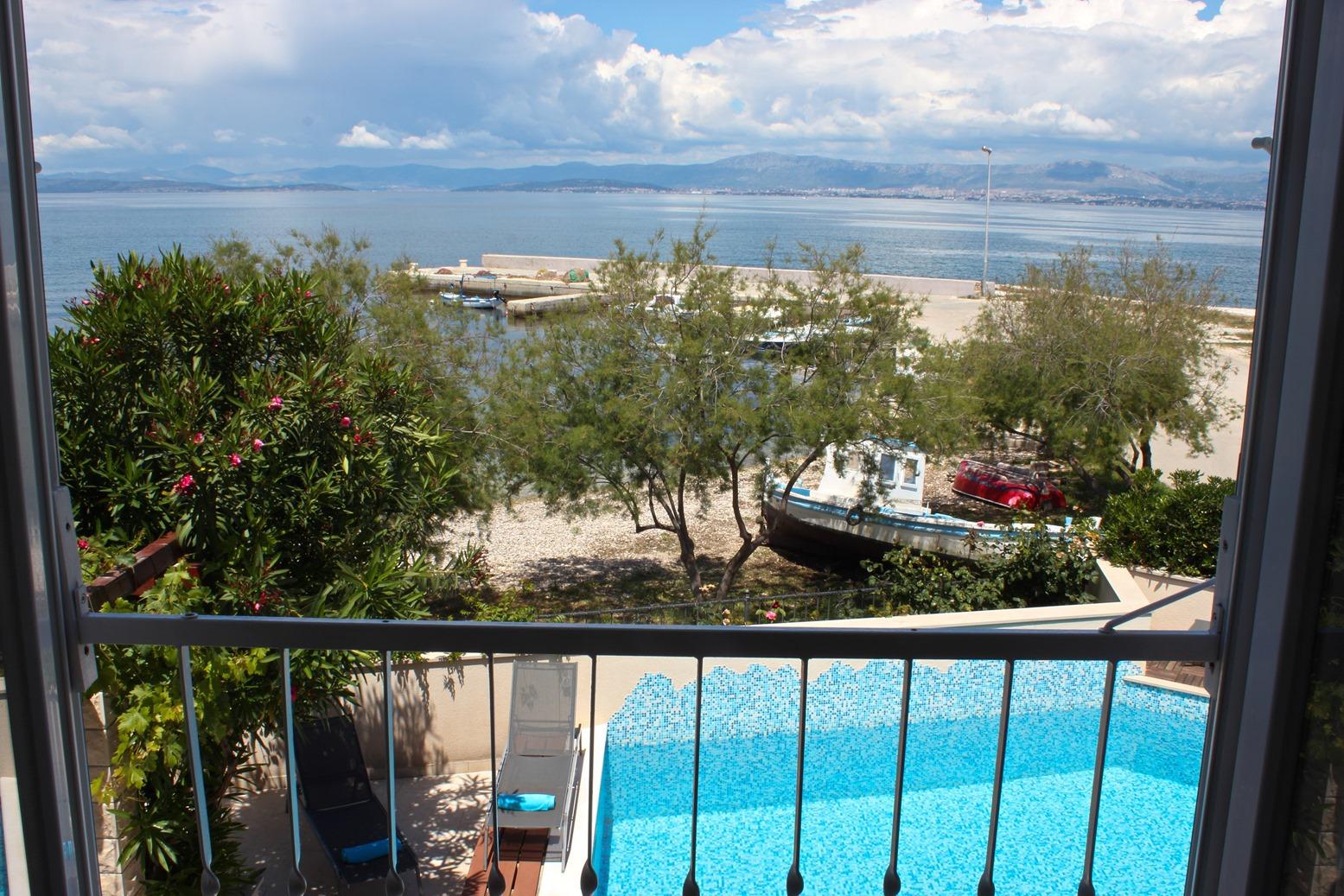 6018 - Mirca - Hiše za počitek, vile Hrvaška - H(14+2): terasa