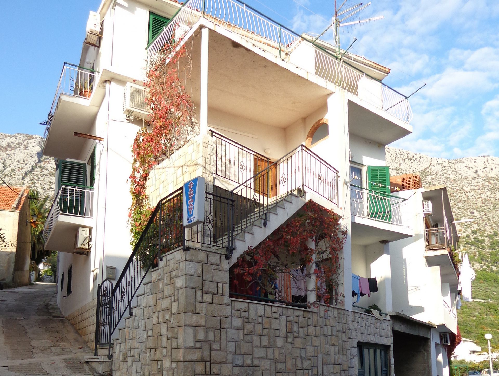 Maca - Igrane - Apartments Croatia