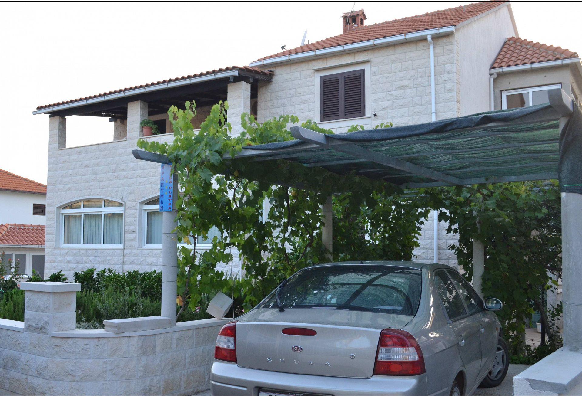 - Supetar - Apartmány