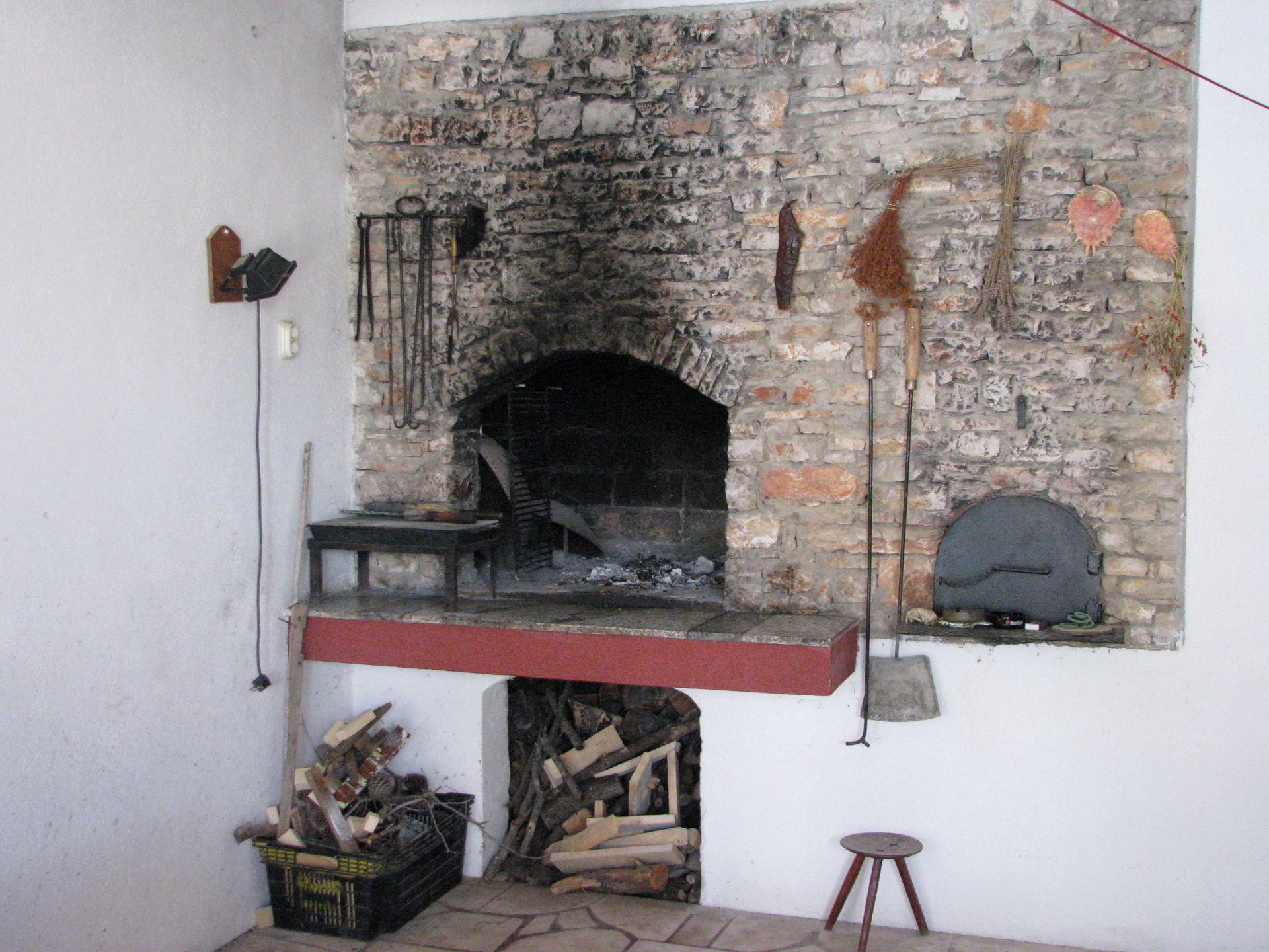 Simi - Baai Osibova (Milna) - Verblijf in lagunes Kroatië - barbecue