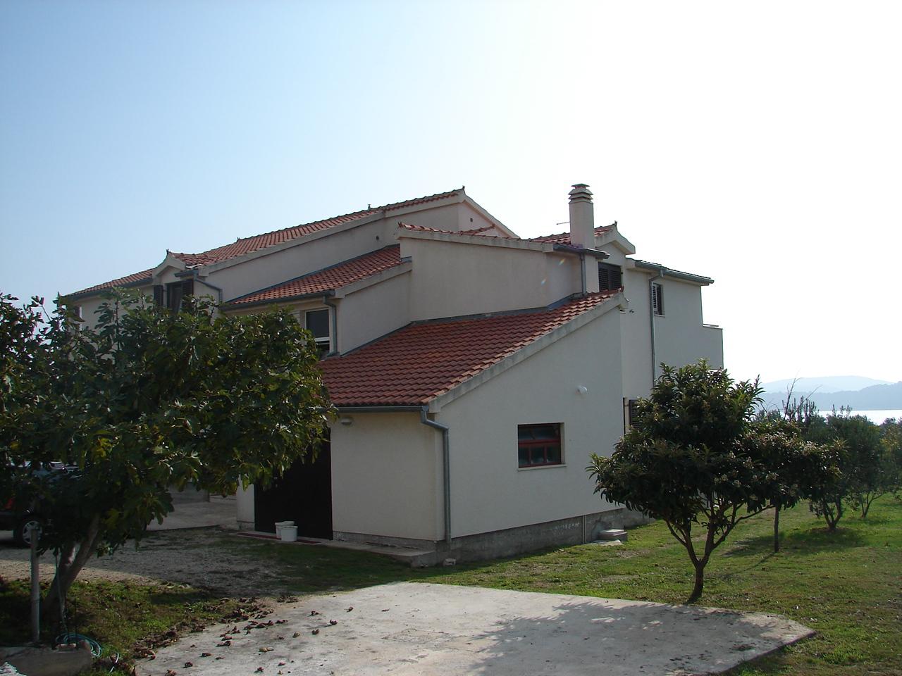 01606TRIB - Tribunj - Apartmani  Hrvatska