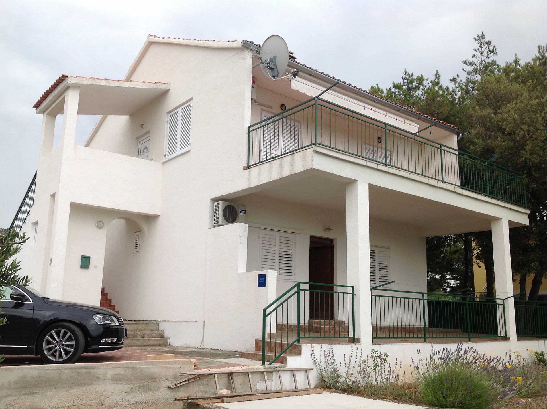 6091 - Primosten - Ferienwohnungen Kroatien