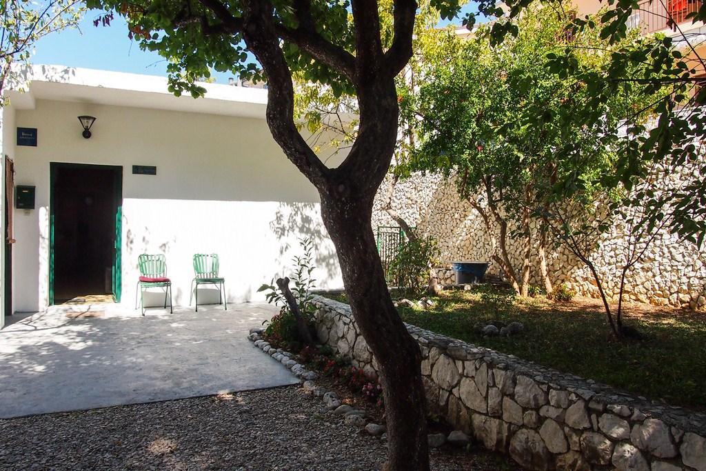 Zeli - Brela - Appartementen Kroatië - tuin