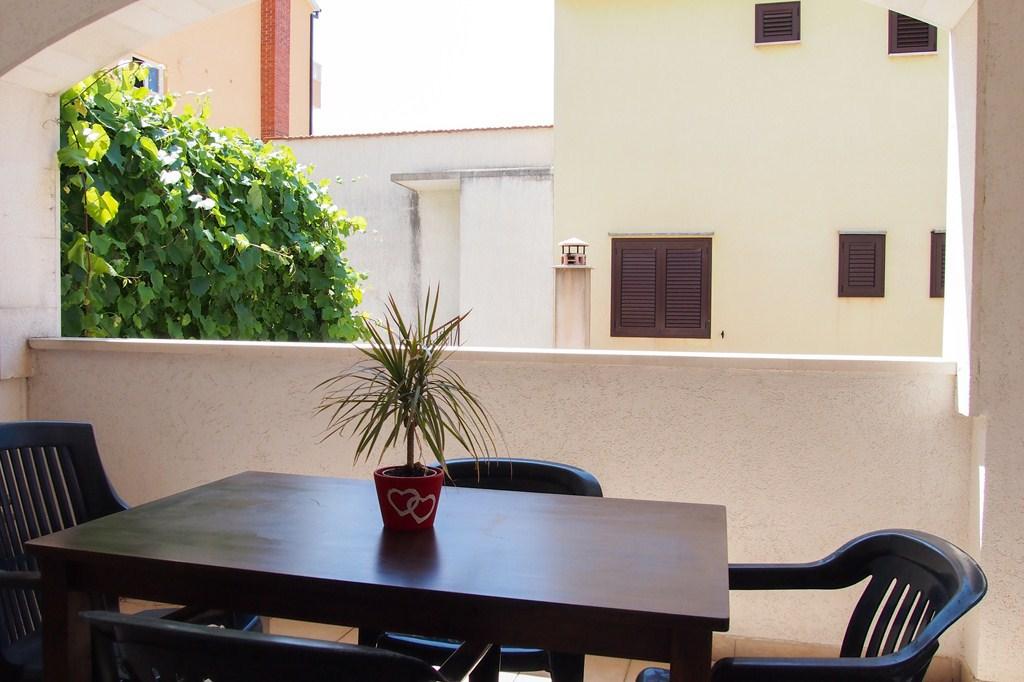 A2(2+2): terrace