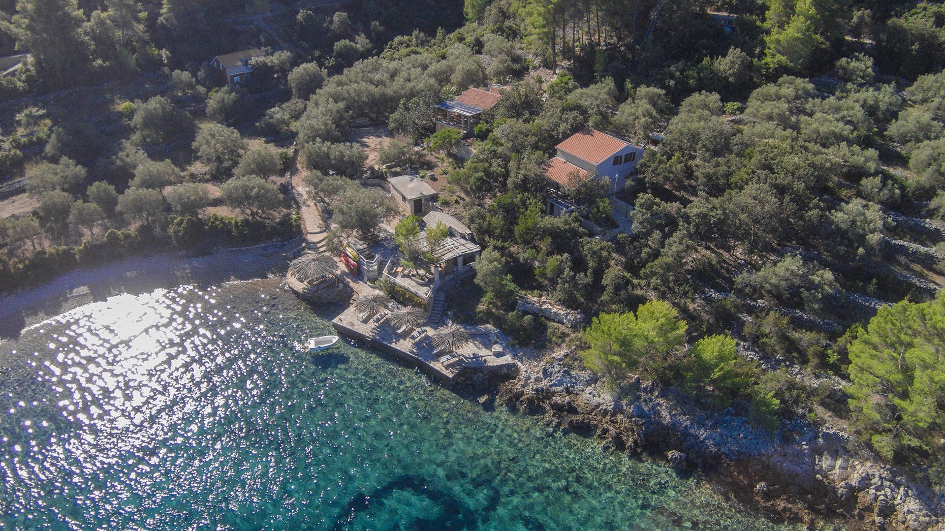 B1214VLUK  - Öböl Picena (Vela Luka) - Nyaralóházak Horvátország - strand