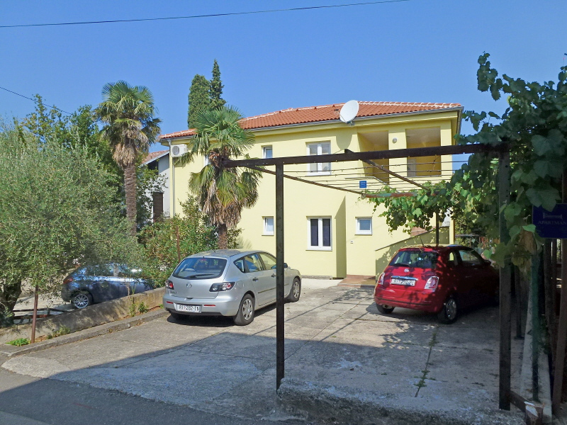 5287  - Njivice - Apartments Croatia