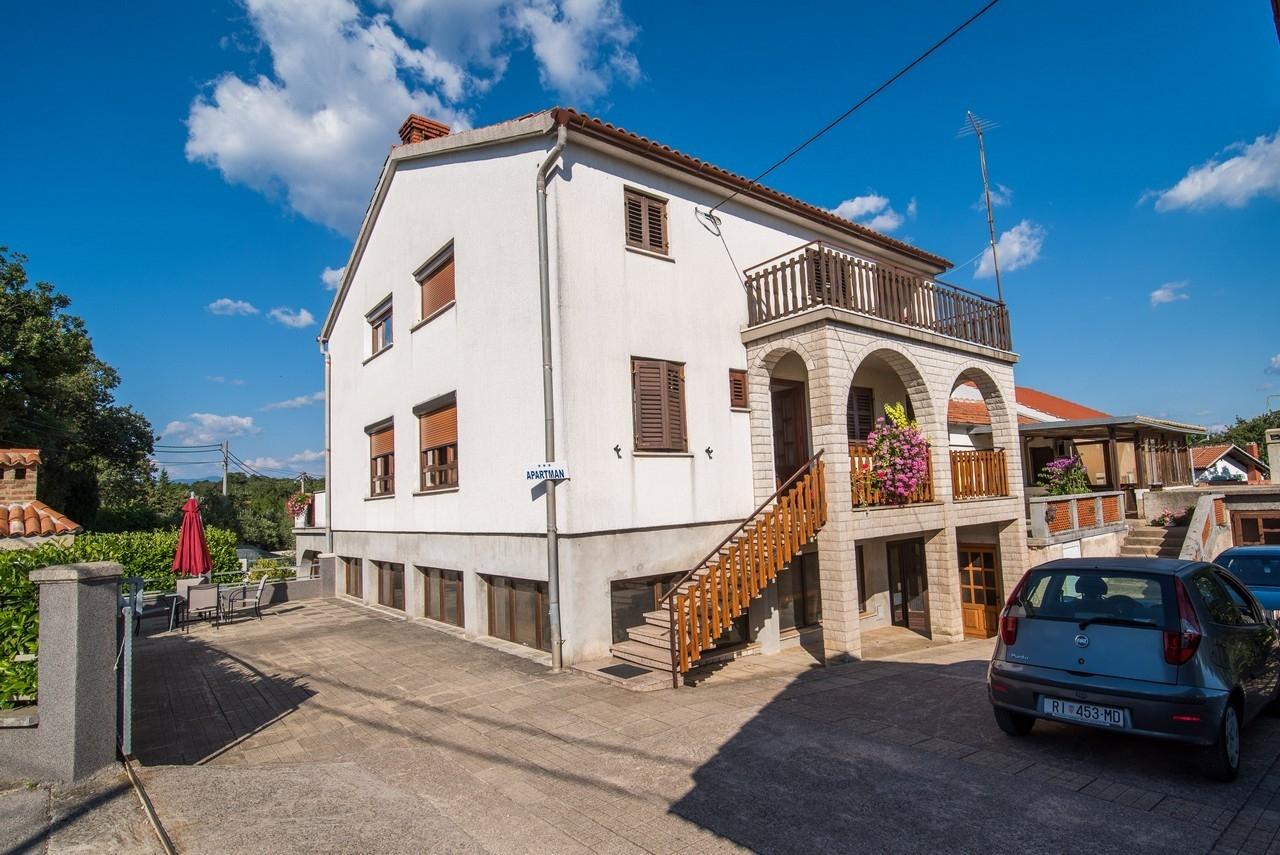 5382  - Vrbnik - Appartementen Kroatië
