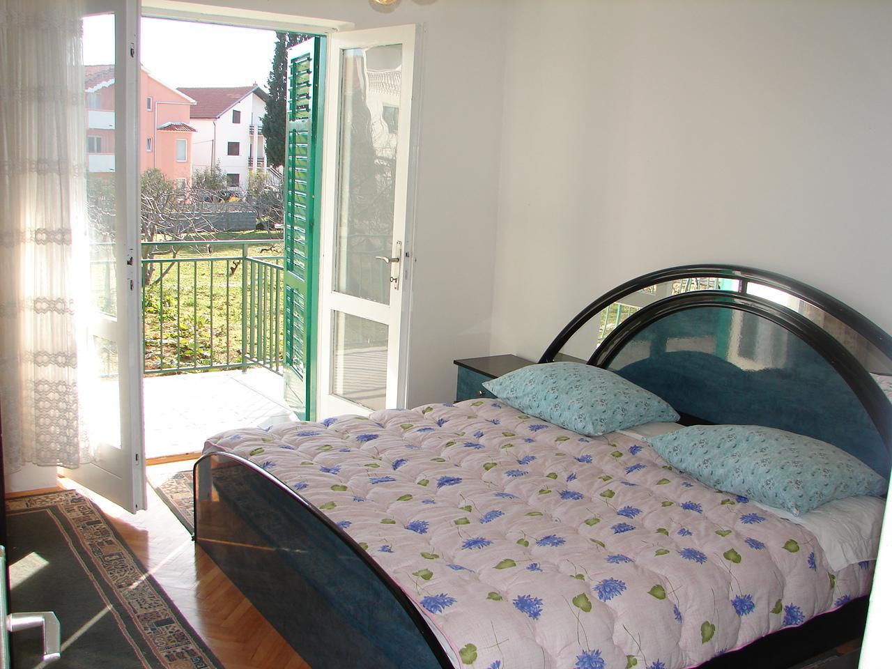 01606VODI - Vodice - Apartmanok Horvátország - A1(4+1): hálószoba
