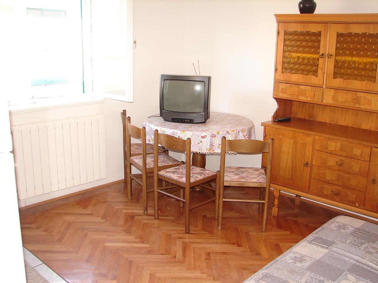 01606VODI - Vodice - Apartmanok Horvátország - A1(4+1): enteriőr