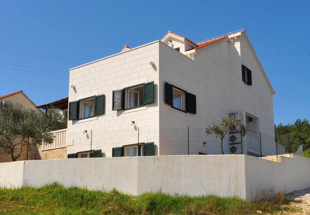 5464  - Sutivan - Vakantiehuizen, villa´s Kroatië