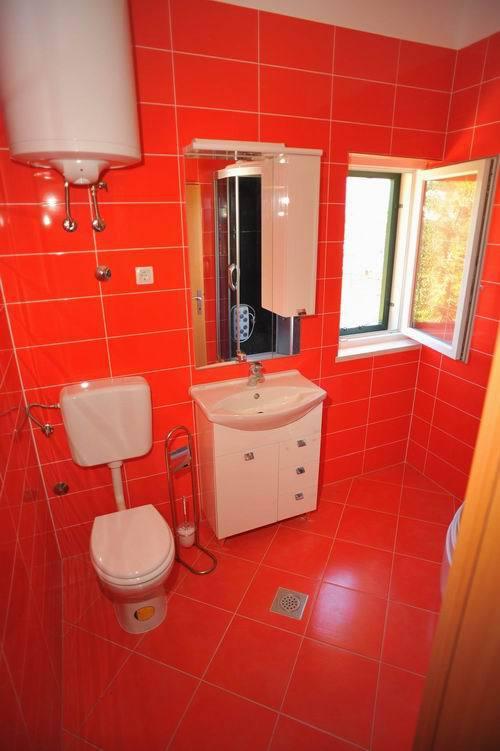 5464  - Sutivan - Maisons de repos, villas Croatie - H(6+1): salle de bain W-C