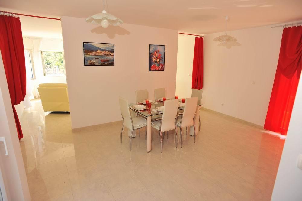 5464  - Sutivan - Maisons de repos, villas Croatie - H(6+1): salle à manger