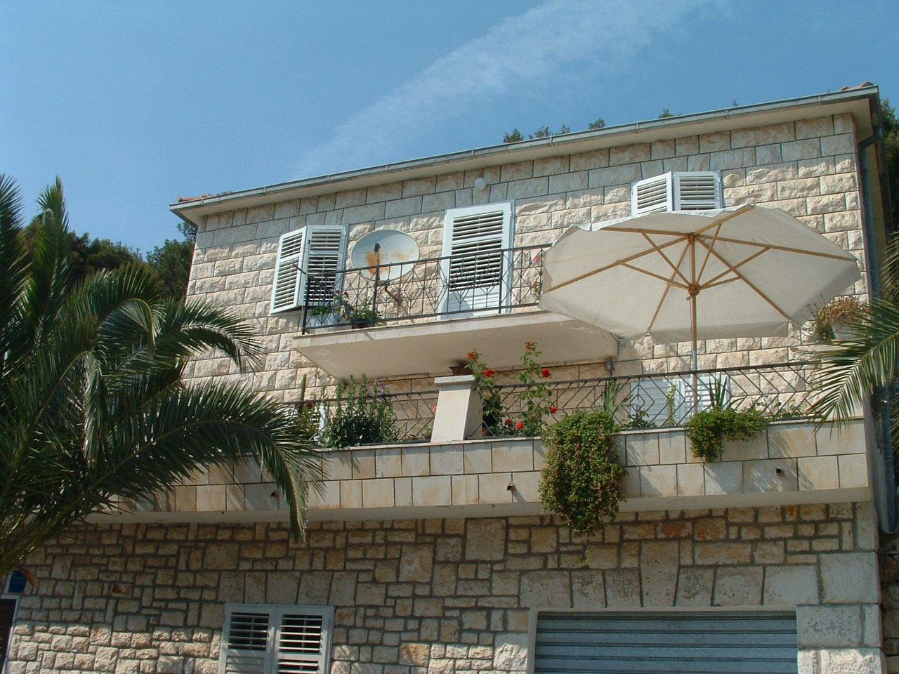 01201MILN - Milna (Brac) - Holiday houses, villas Croatia