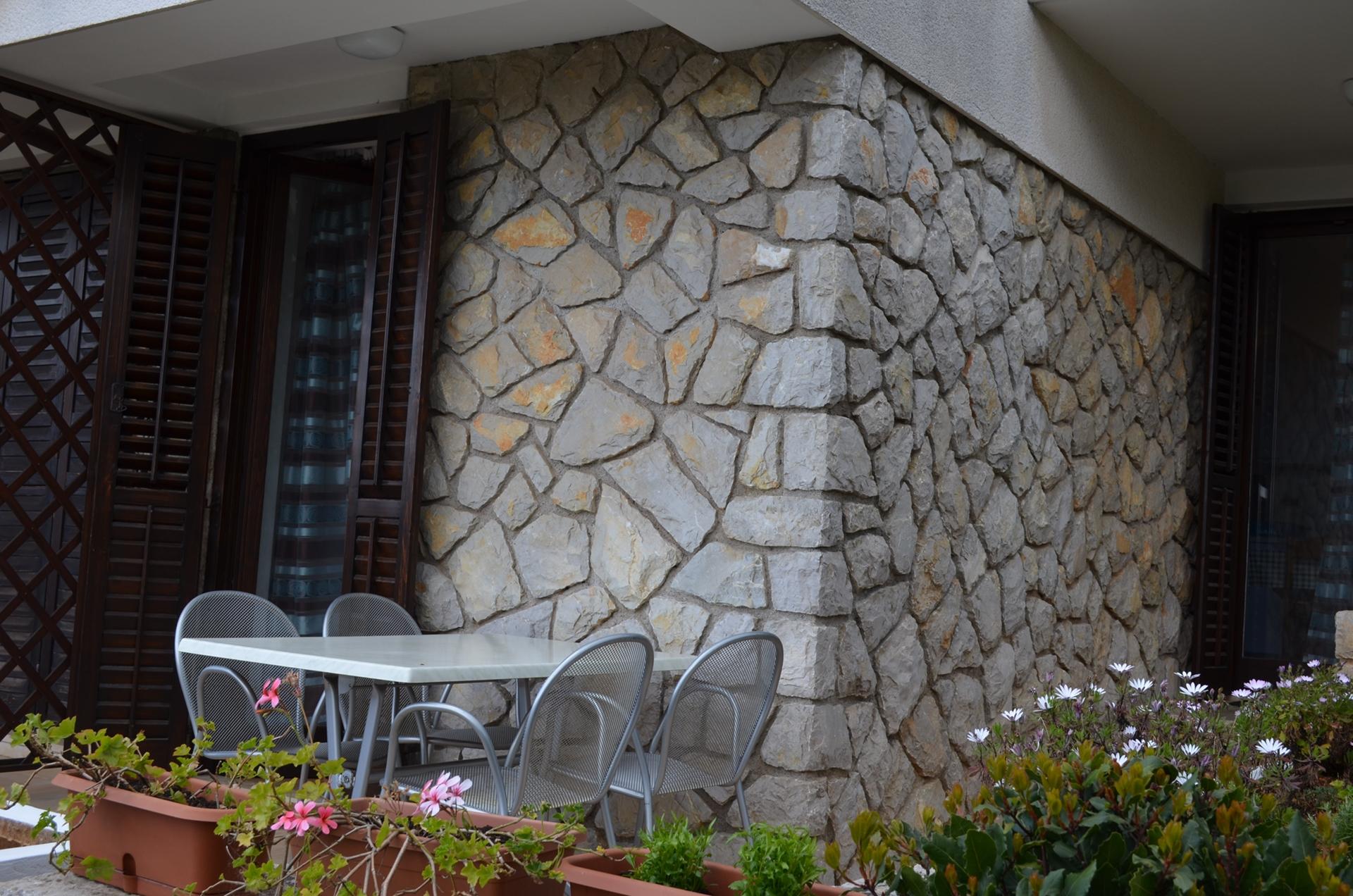 2337  - Cres - Apartmaji Hrvaška - A2(2+2): terasa