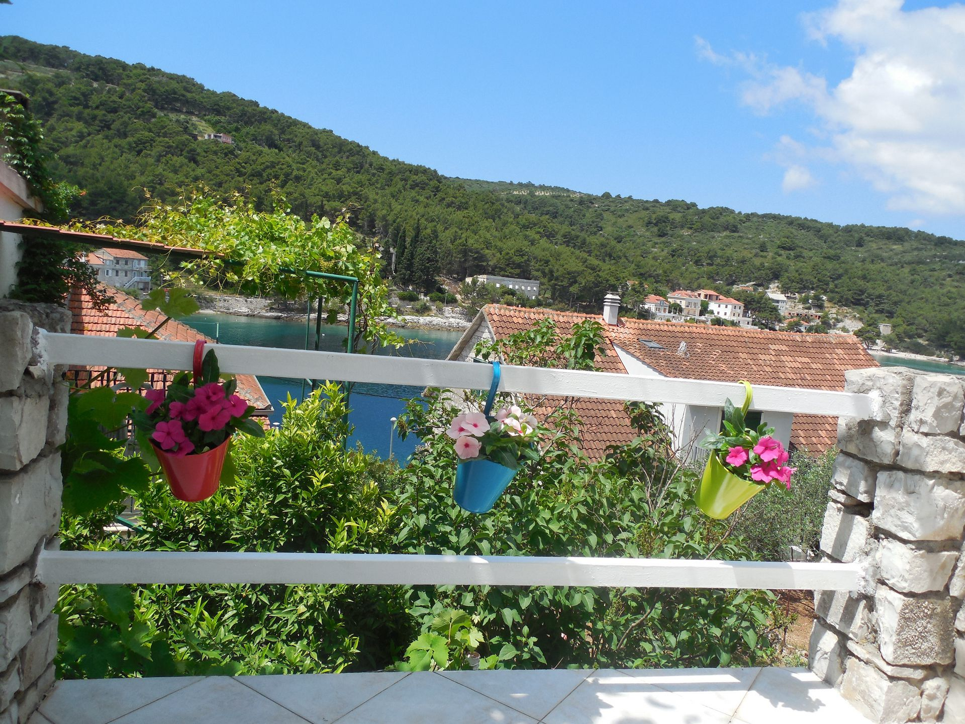 049-04-STO - Stomorska - Apartments Croatia