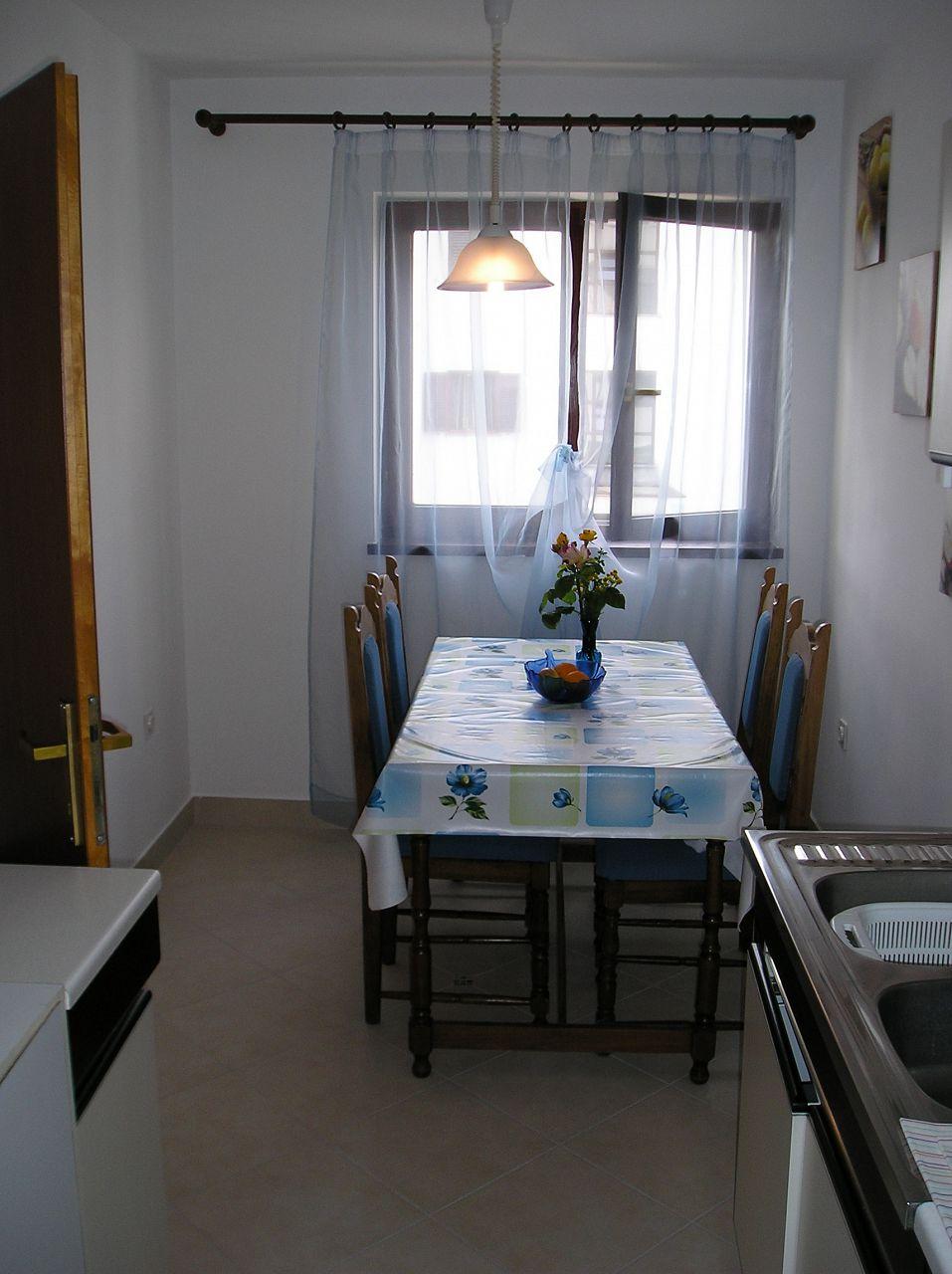 5751 - Lovran - Apartments Croatia - A1(2+2): dining room