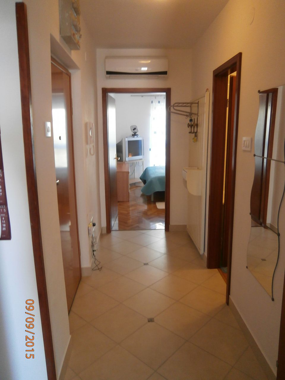5751 - Lovran - Apartments Croatia - A1(2+2): hallway