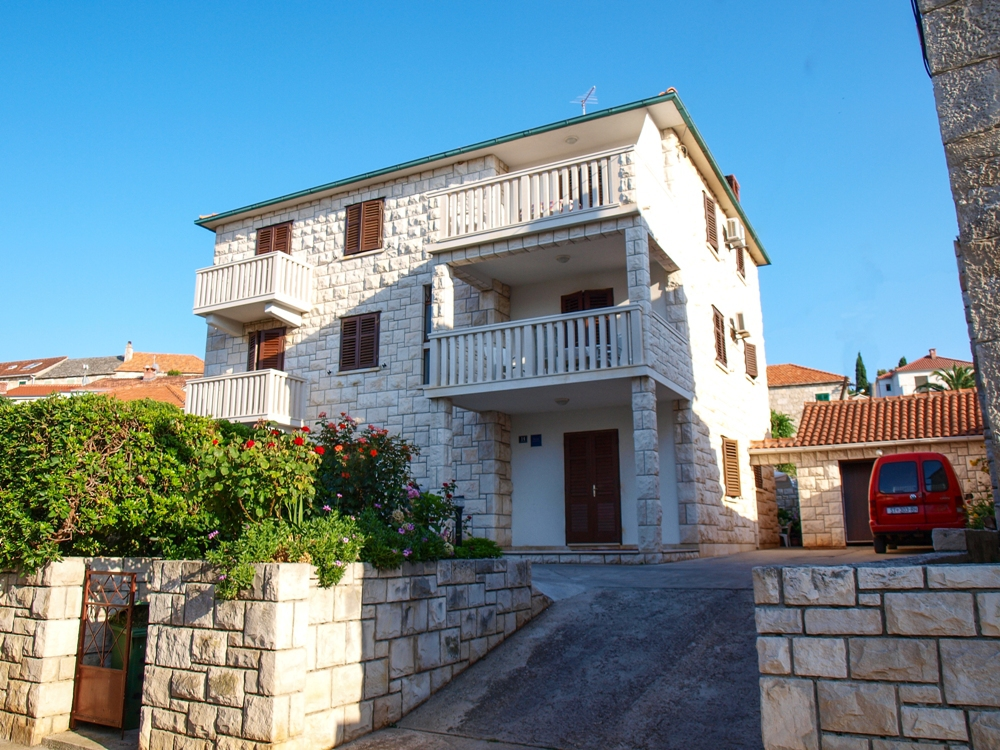 03601POST - Postira - Appartements Croatie