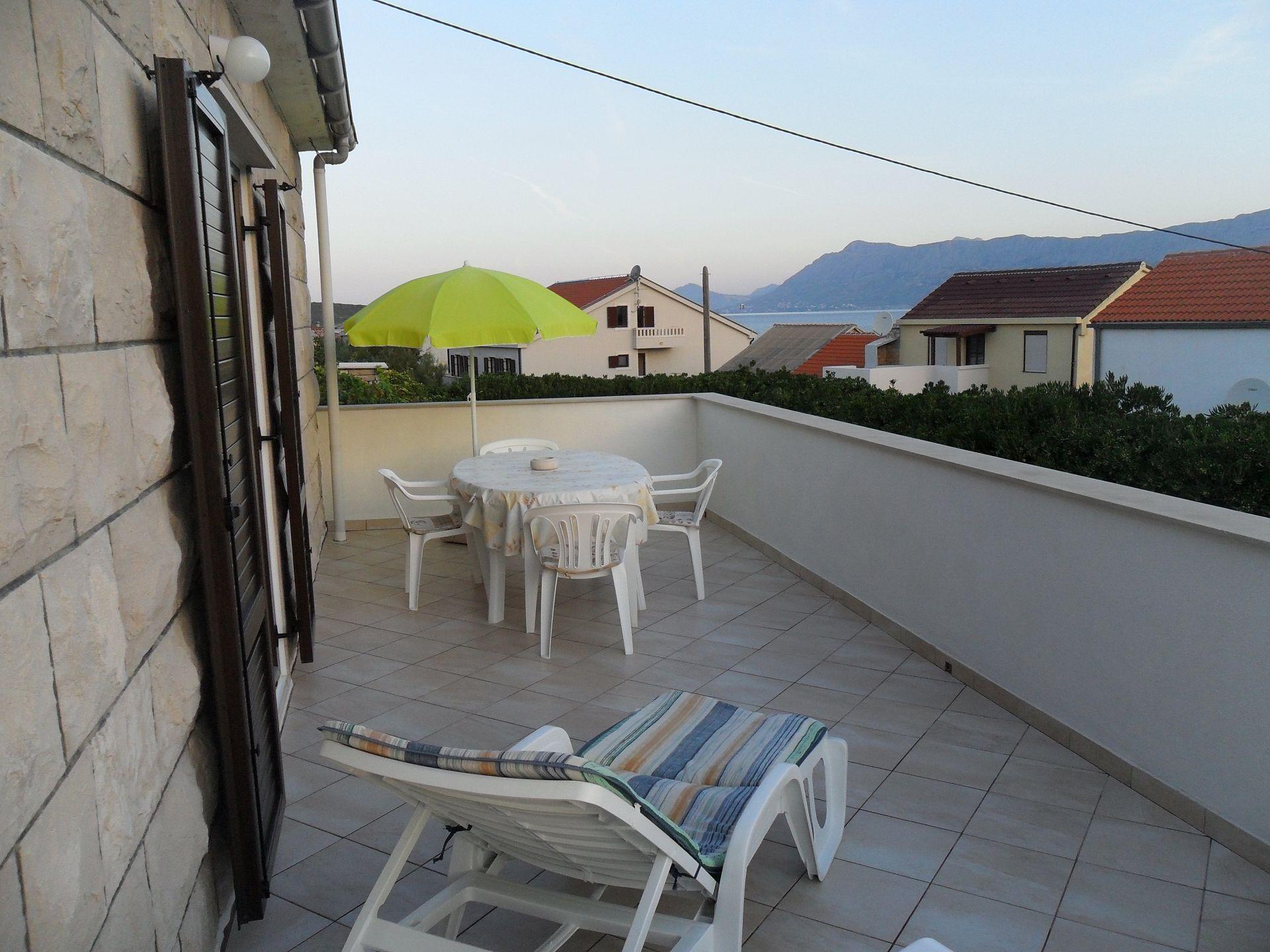 A1(3+1): terrace