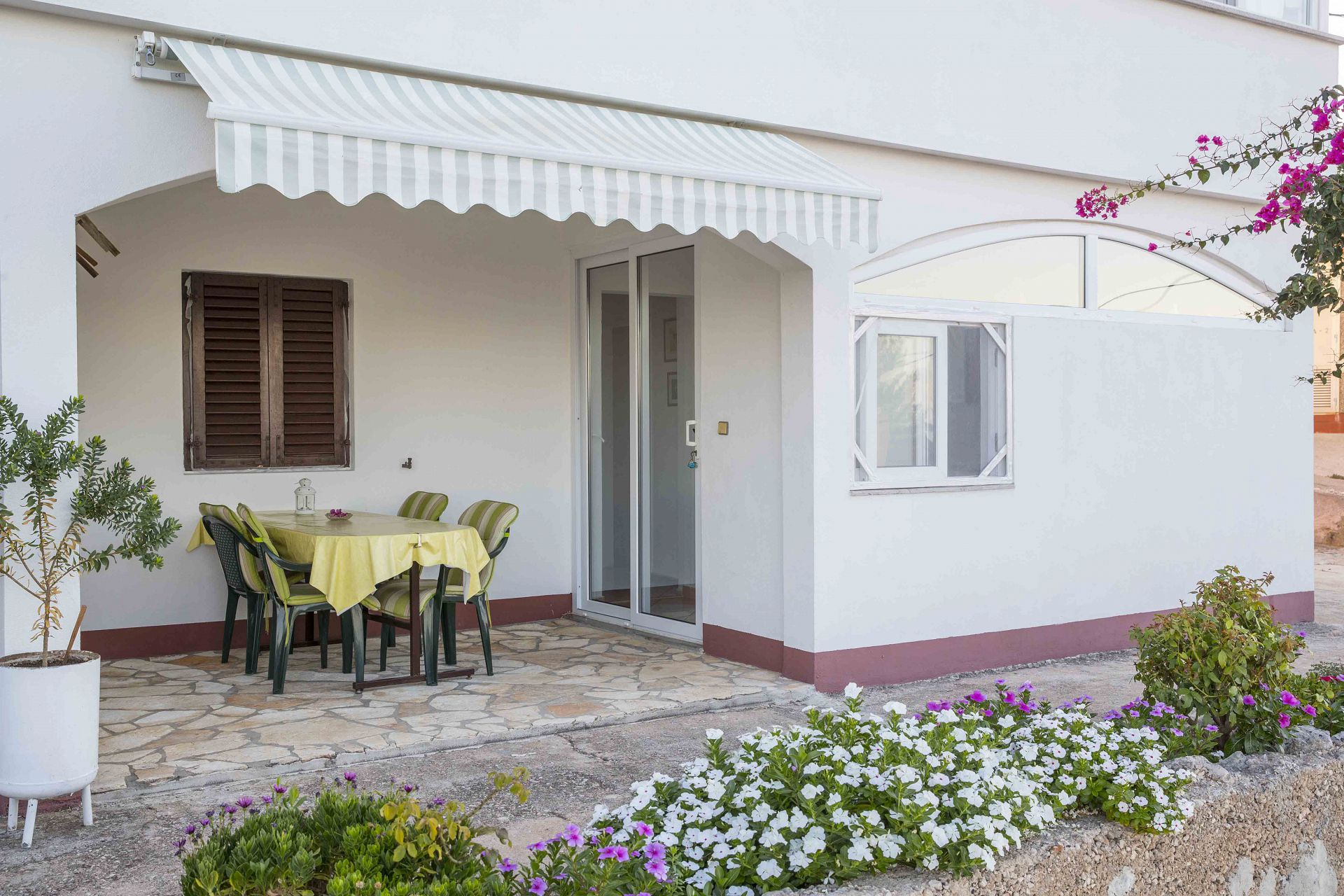 00603ZAVA - Zavala - Appartementen Kroatië - Meri(4): terras