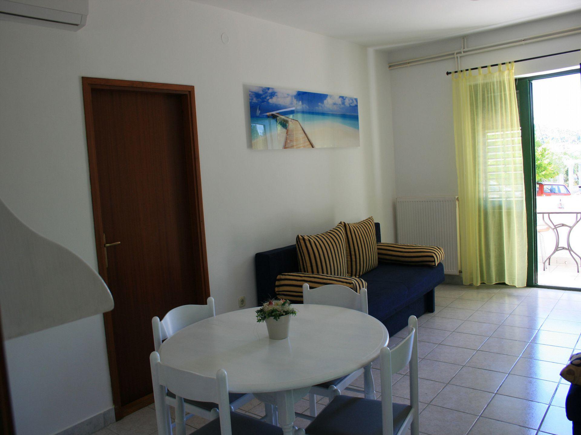 37656 - Jezera - Apartments Croatia - A-Laura(2+2): living room