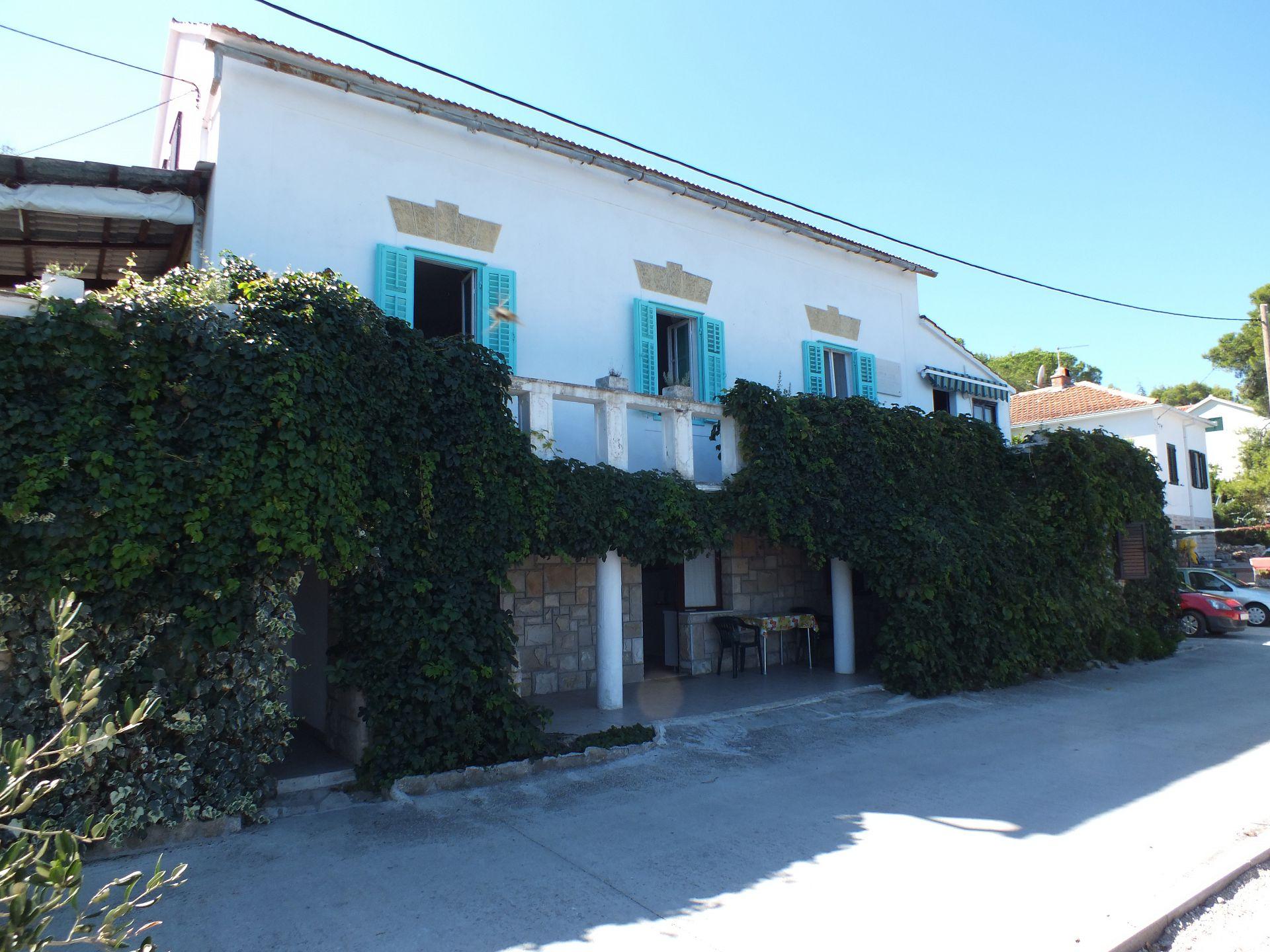 01204ROGA - Rogac - Ferienwohnungen Kroatien