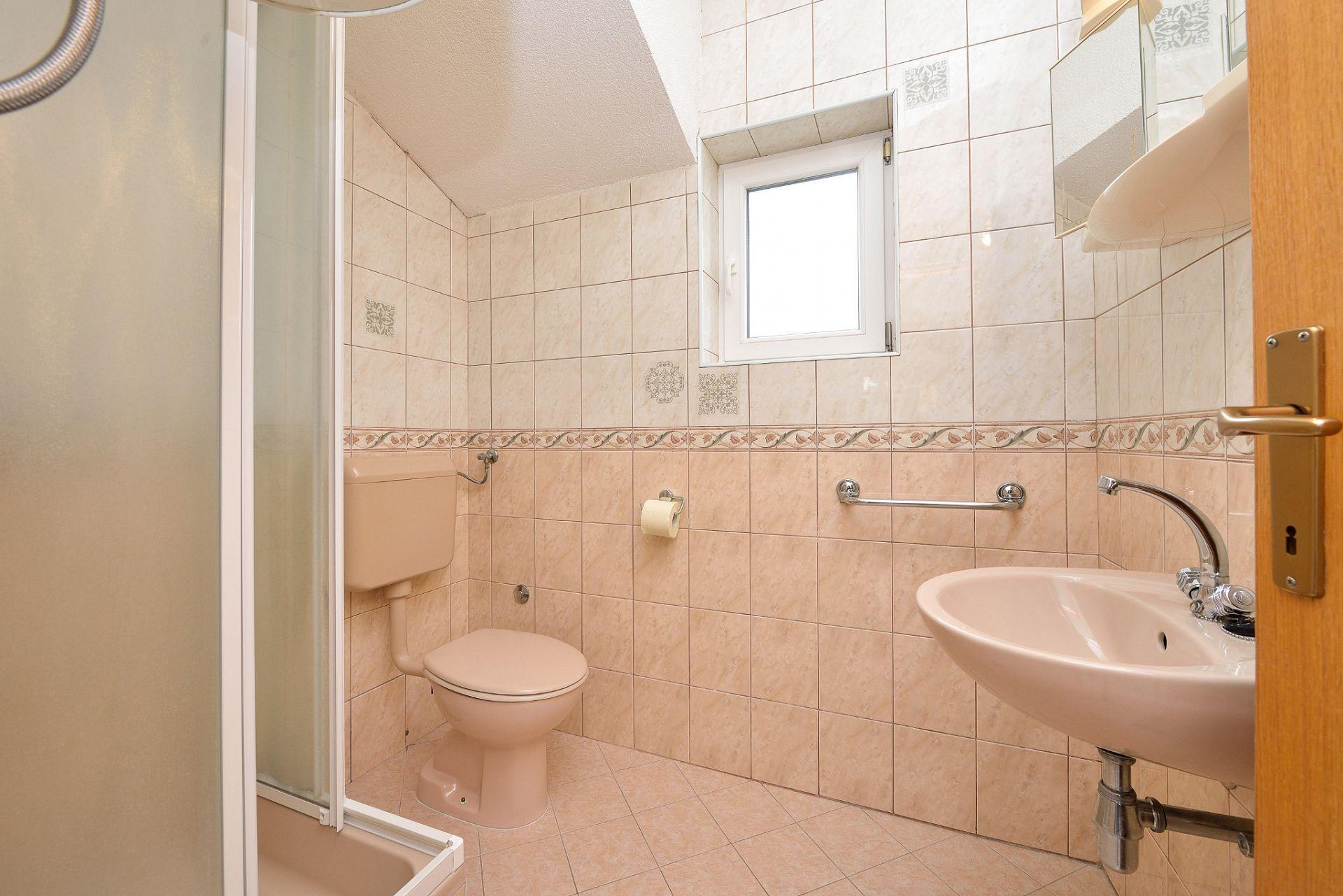 1675 - Drage - Apartmanok Horvátország - A3(2+2): fürdőszoba toalettel