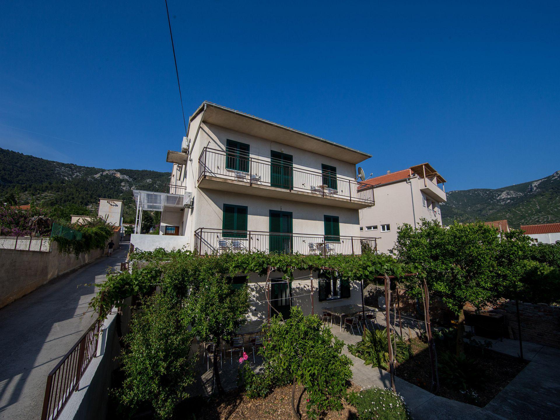 01304KOMI  - Komiza - Appartementen Kroatië