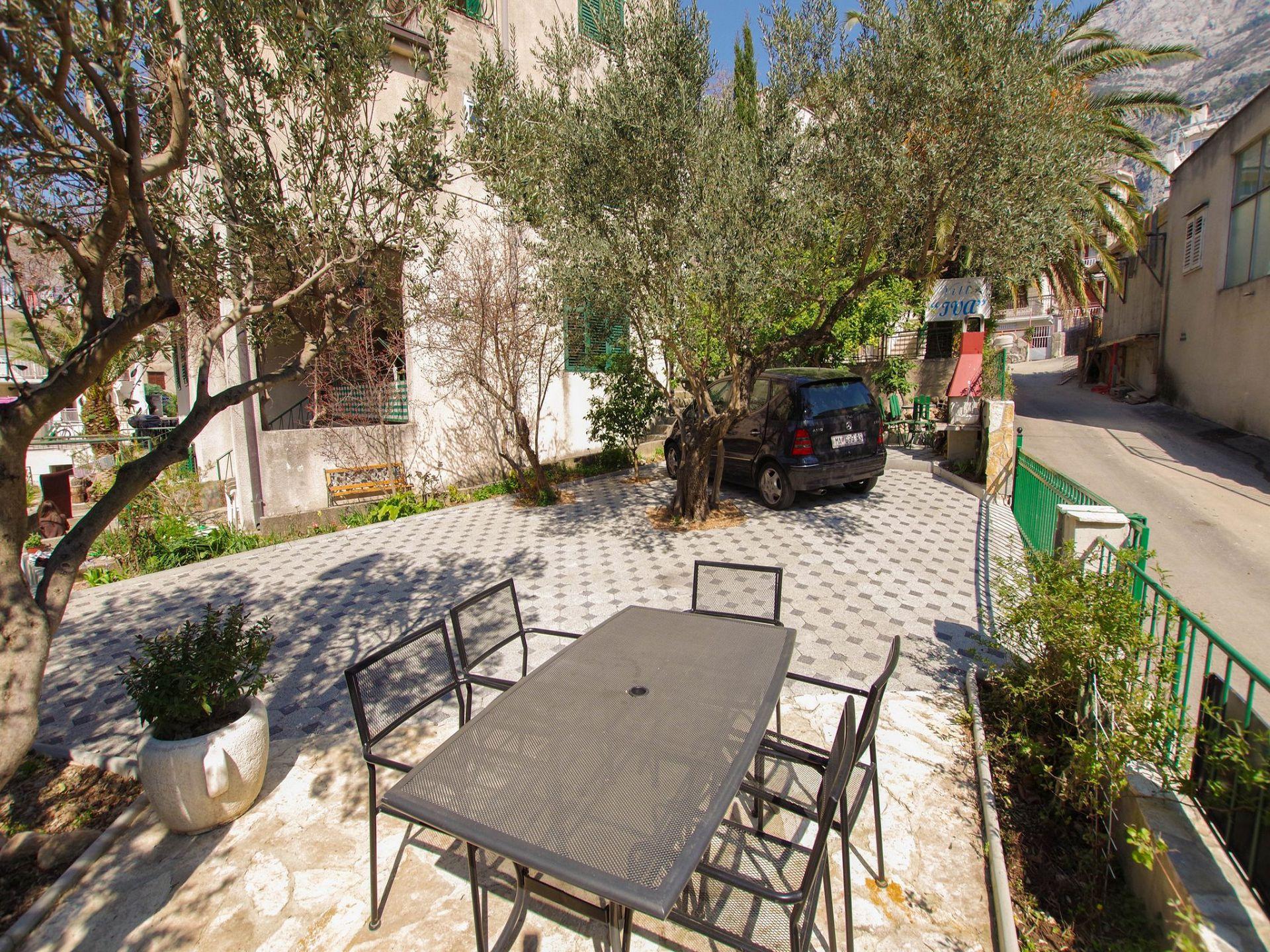 A1(7+1): garden terrace