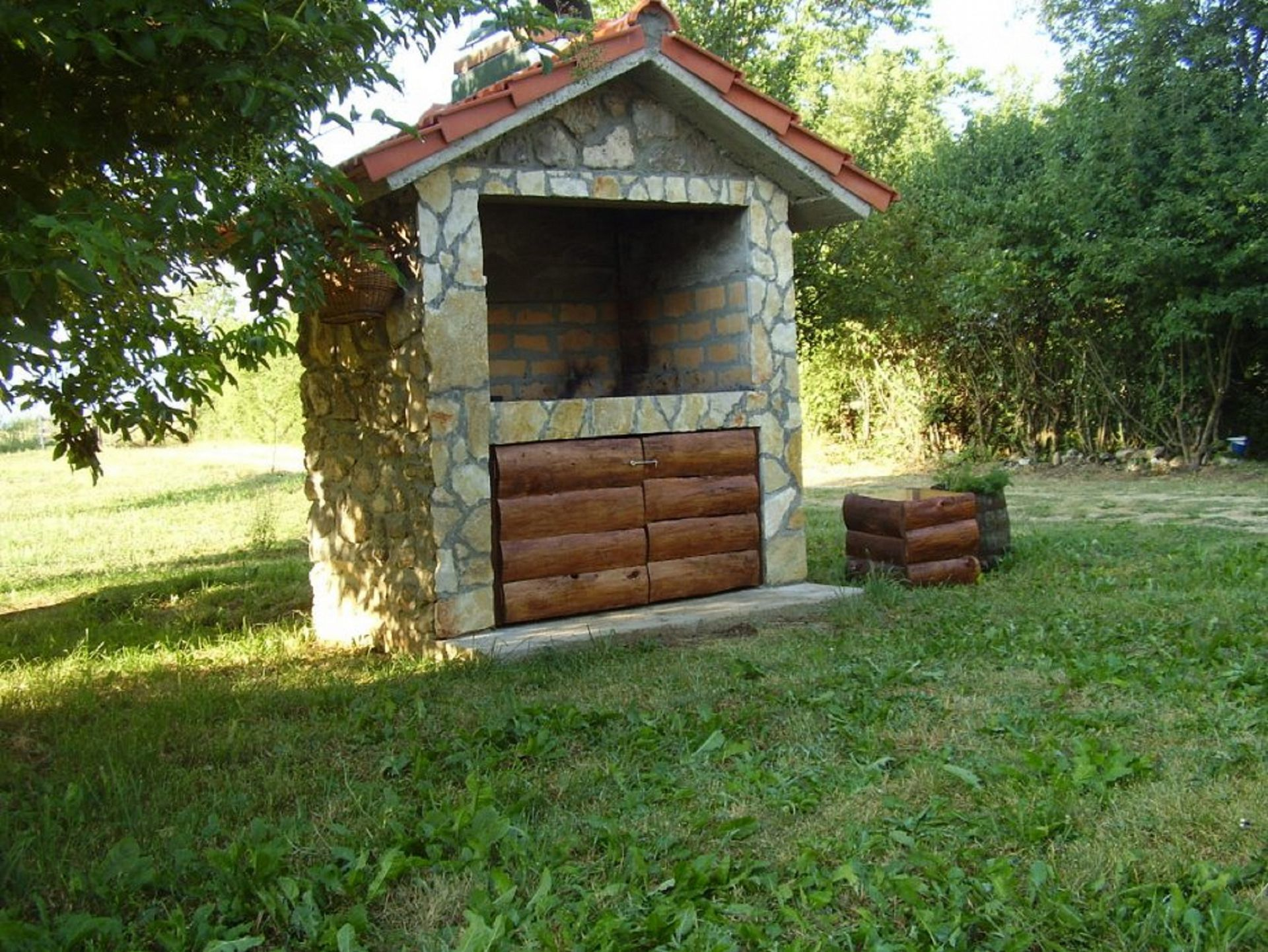 Biserka - Gacka dolina - Maisons de repos, villas Croatie - barbecue (maison et environs)