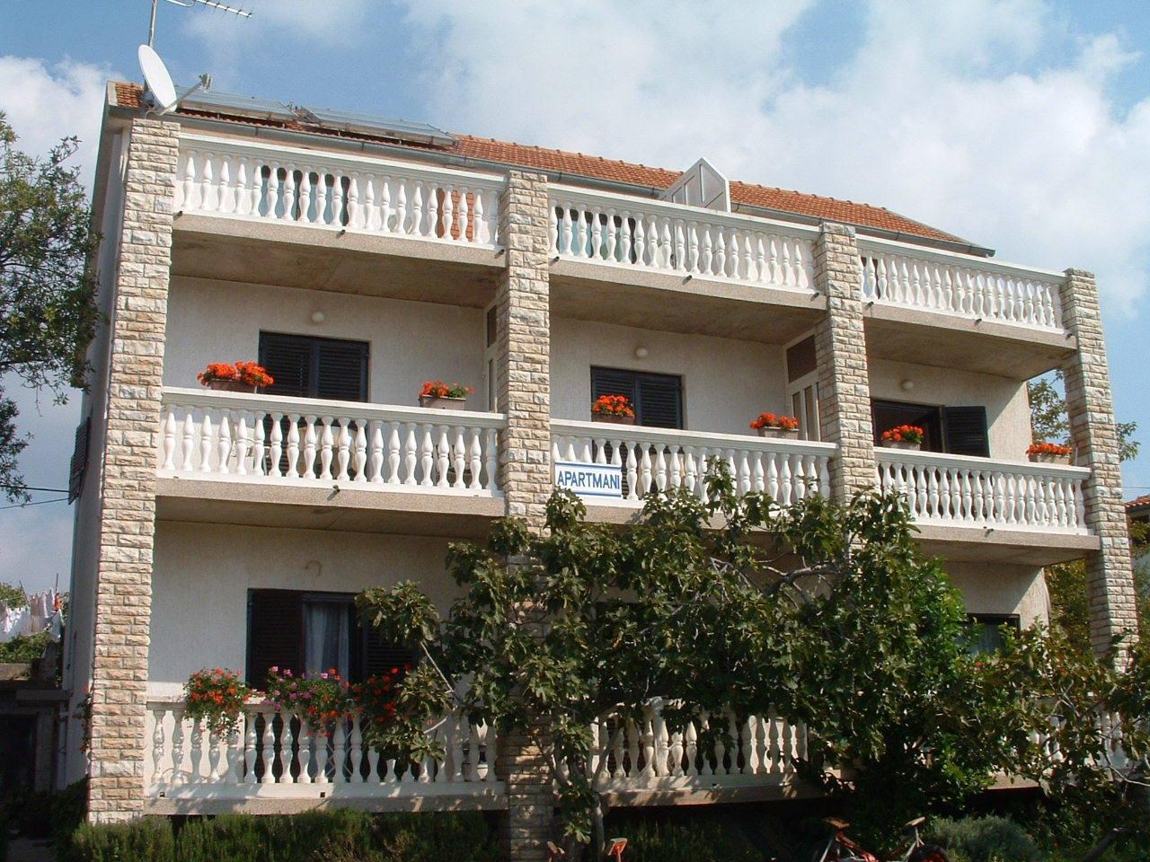 00506TRIB - Tribunj - Apartments Croatia