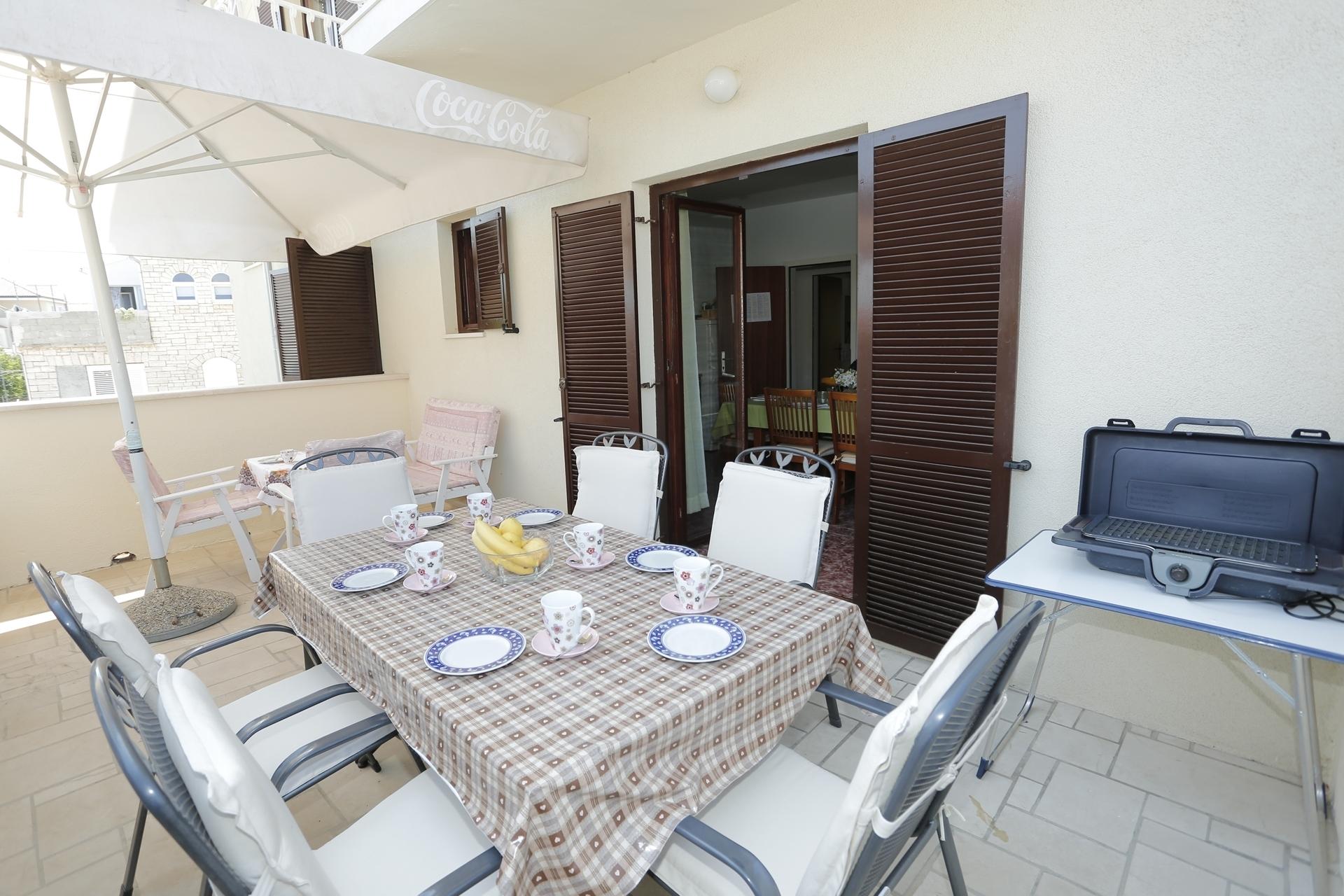Mira - Supetar - Ferienwohnungen Kroatien