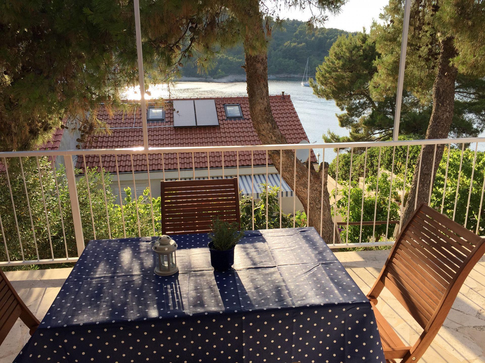 Holiday Homes, Stomorska, Island of Šolta - Holiday houses, villas  Vanesa - 50m from the sea: