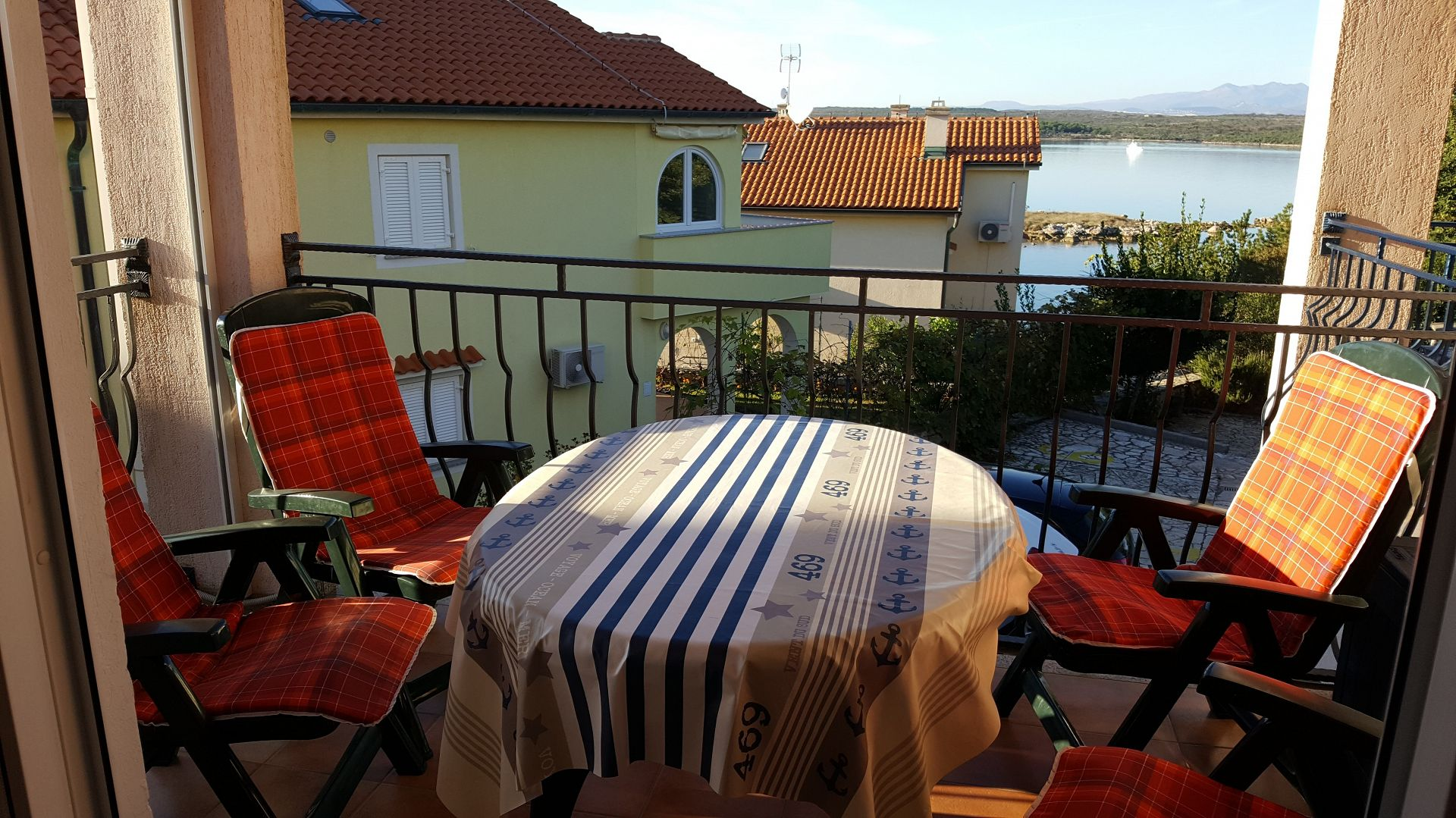 Dija - Klimno - Apartments Croatia