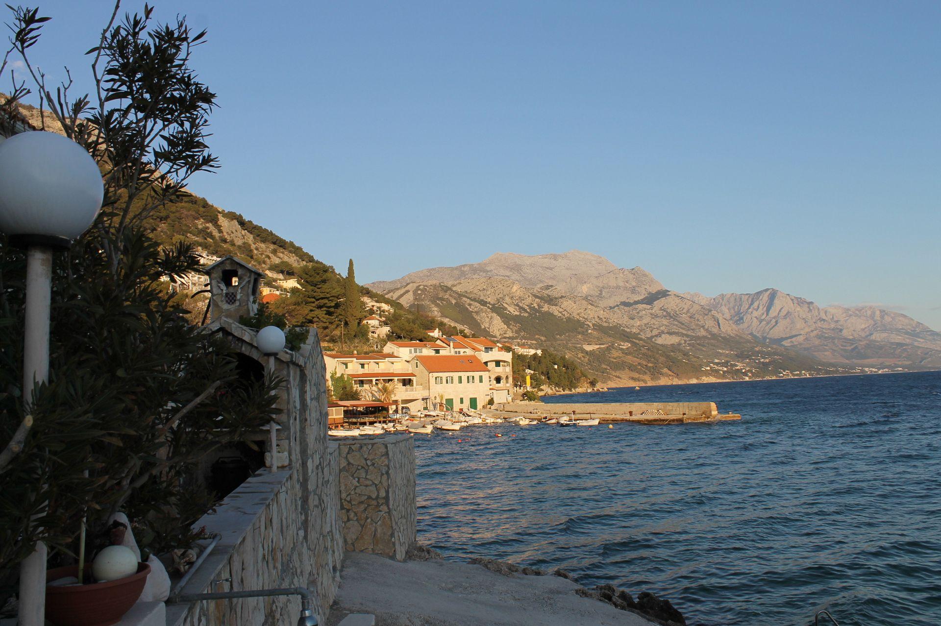 5257  - Pisak - Ferienwohnungen Kroatien - A2 PRIZEMLJE (3+2): Aussicht vom Terasse