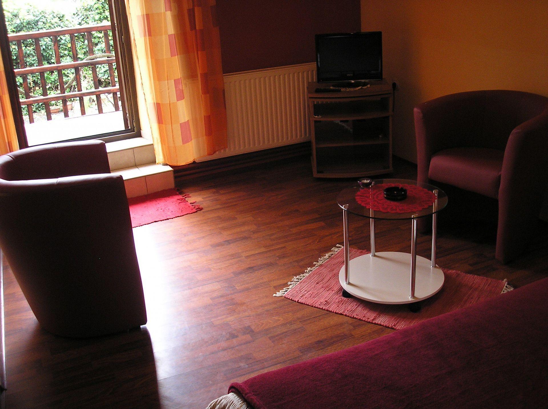 Zvonkic - Aljmas - Ferienwohnungen Kroatien - A(4): Tagesaufenthaltsraum